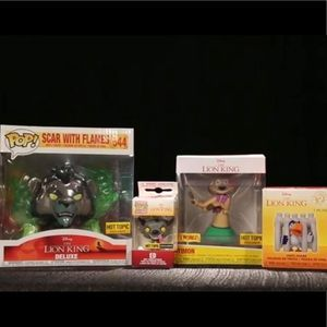 Lion king hot topic exclusive box!